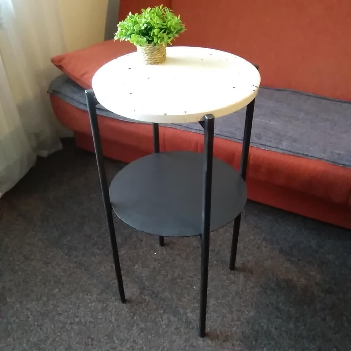 kameni-stol-klesar-Prusa terac